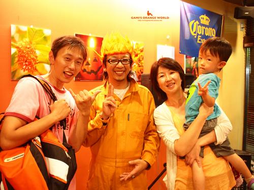 0410オレンジの世界展オープニングパーティー14.jpg