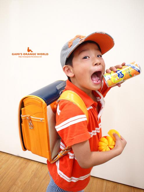 0437オレンジのランドセル3.jpg