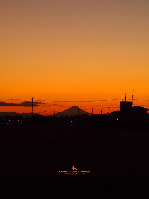 0474越谷からの富士山3.jpg