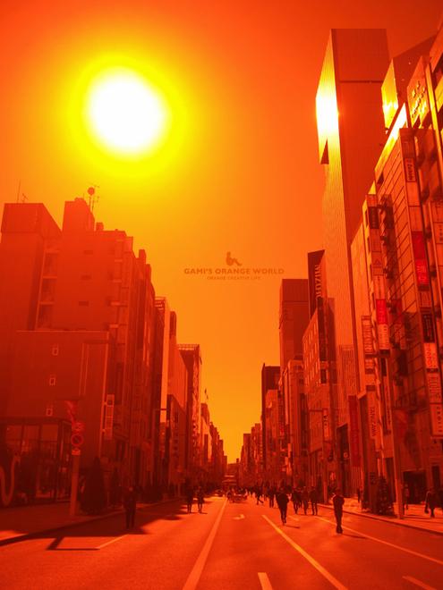 0519銀座の歩行者天国をオレンジフィルターで.jpg