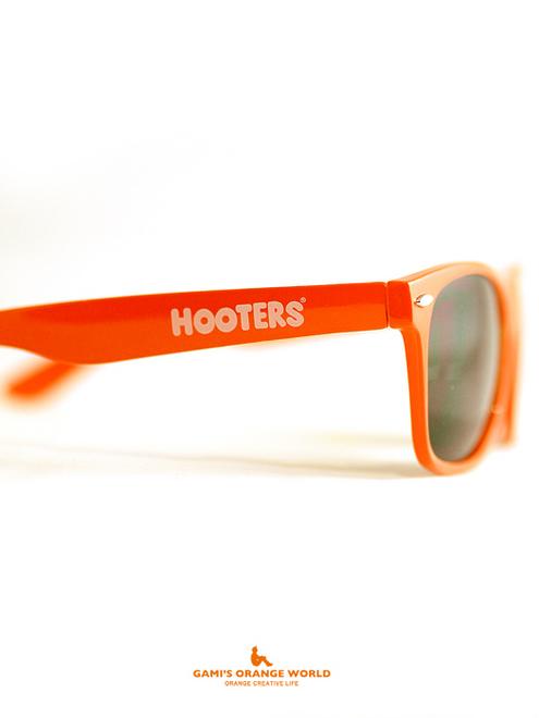 0527HOOTERSのオレンジサングラス3.jpg