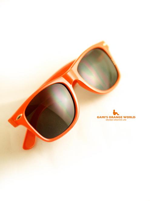 0527HOOTERSのオレンジサングラス6.jpg
