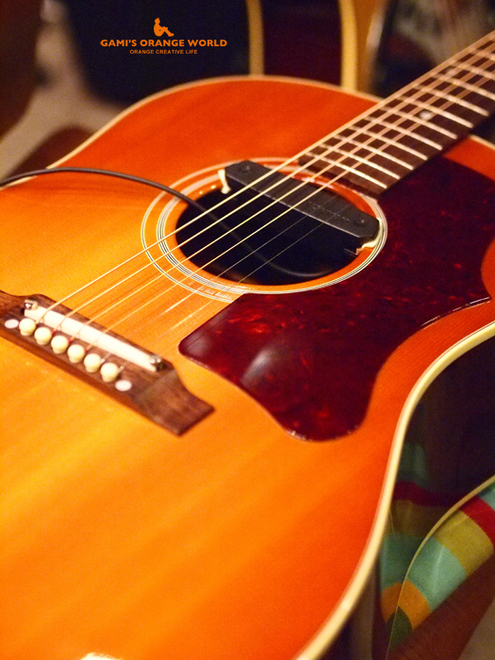 0560オレンジのギターGibson J-45.jpg