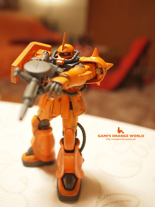 オレンジのザク1.jpg