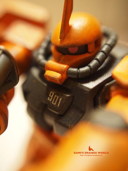 オレンジのザク2.jpg