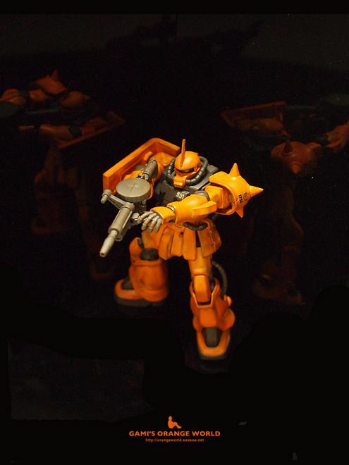 オレンジのザク3.jpg