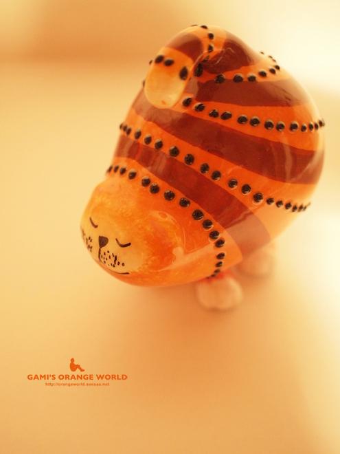 オレンジネコの置物.jpg