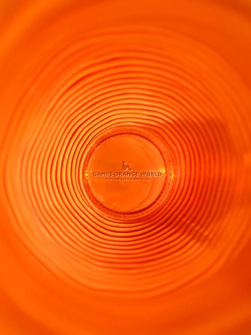 312オレンジの花瓶1.jpg