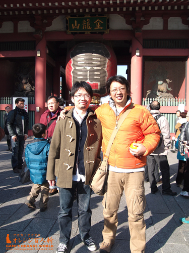 田中さんと雷門の前で.jpg